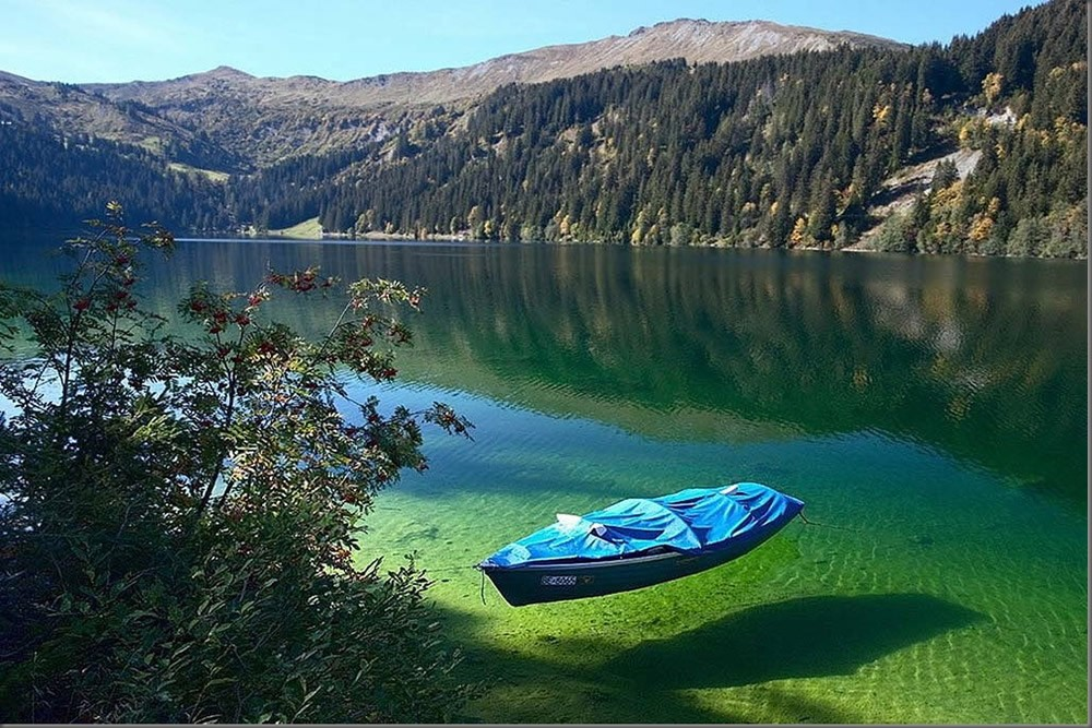 Conoce el Blue Lake el lago con el agua más transparente del mundo